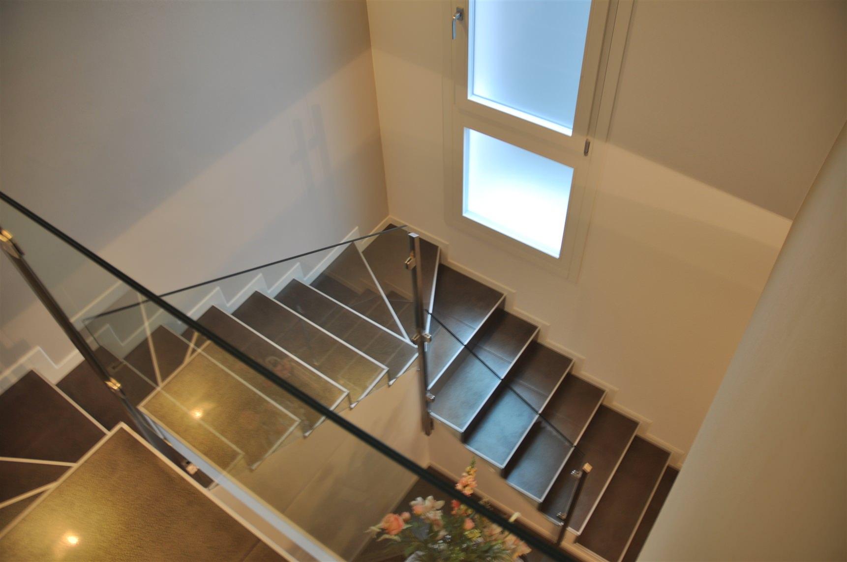 Corrimano in vetro per scale best parapetti in vetro with corrimano in vetro per scale cool - Corrimano in vetro per scale ...